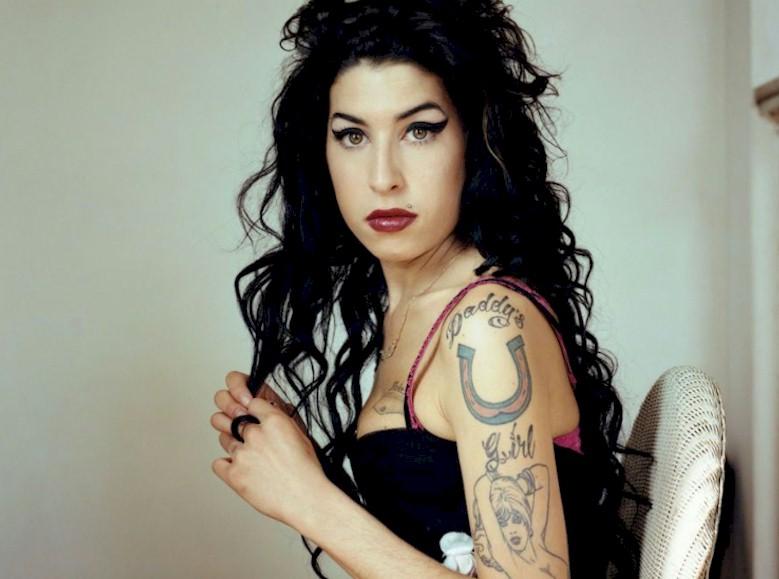 Amy Winehouse ganha estátua de cera em Londres