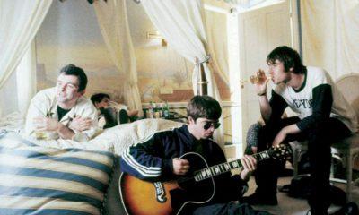 """Oasis: """"Definitely Maybe"""" ganha reedição de 20 anos"""