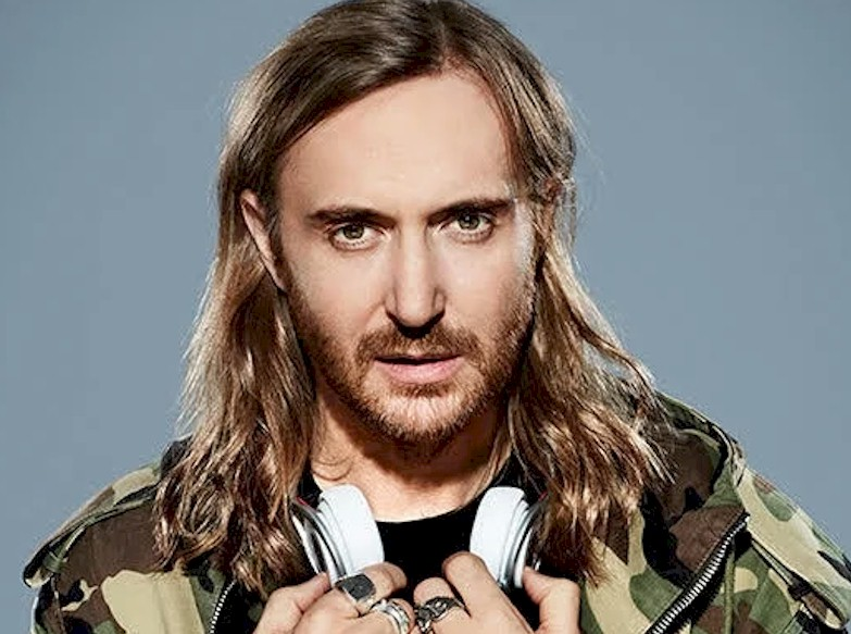 David Guetta recebe The Black Eyed Peas durante show nos EUA