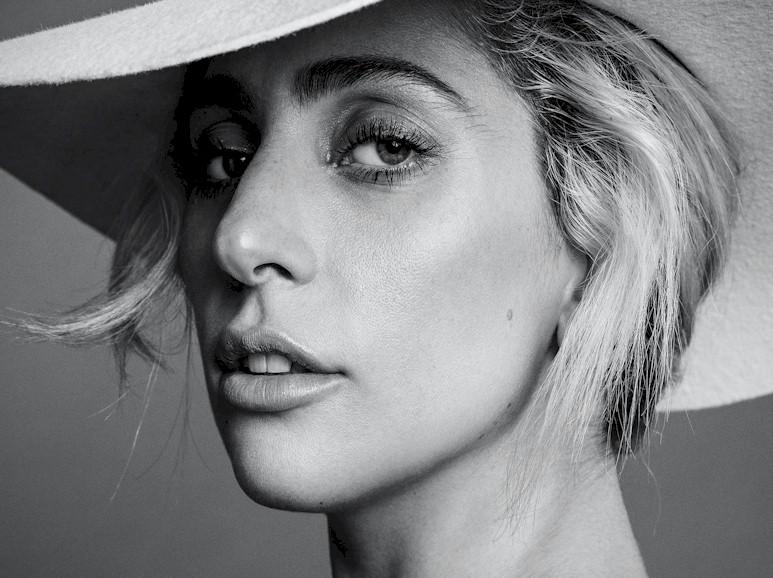 Lady Gaga quer morar perto dos pais