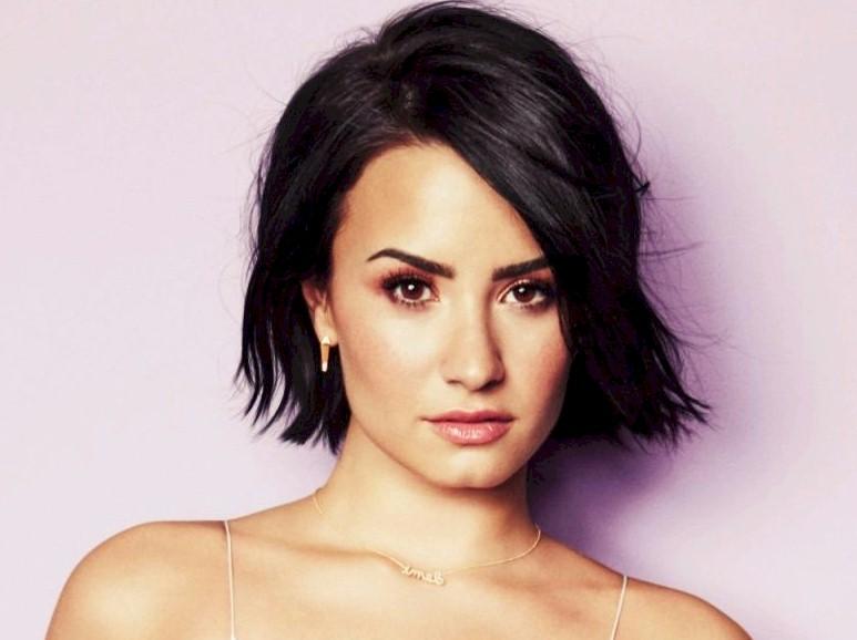 Demi Lovato: sucesso de vendas no Brasil