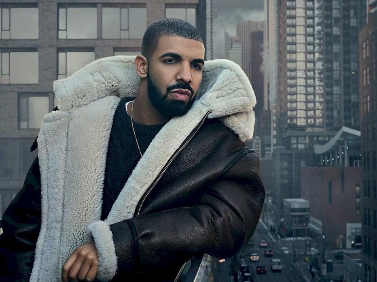 Drake lidera a parada Billboard