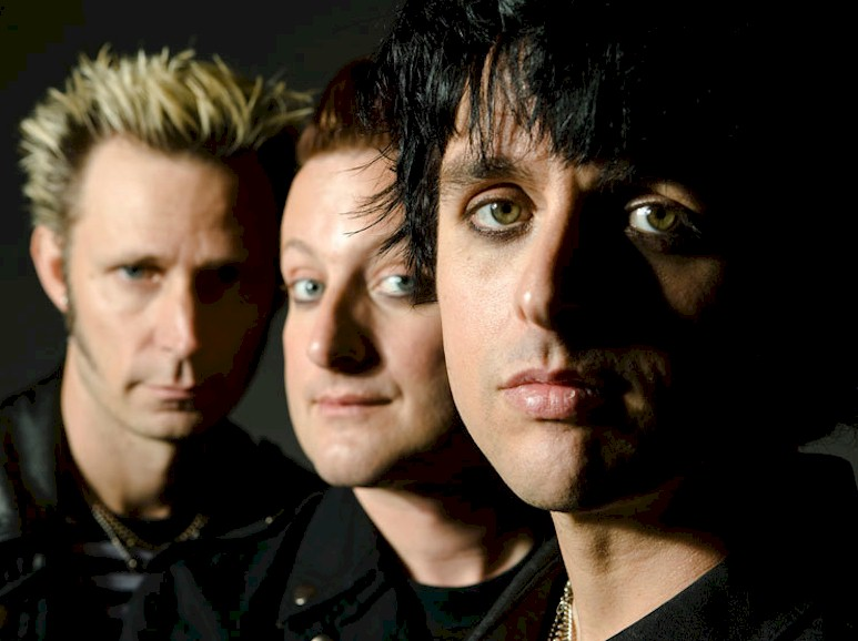 Green Day anuncia novo single em agosto