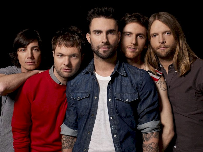 Maroon 5 adia shows por Adam Levine