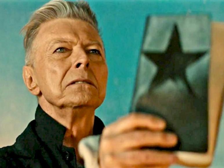 """""""Blackstar"""" de David Bowie conquista último prêmio póstumo"""
