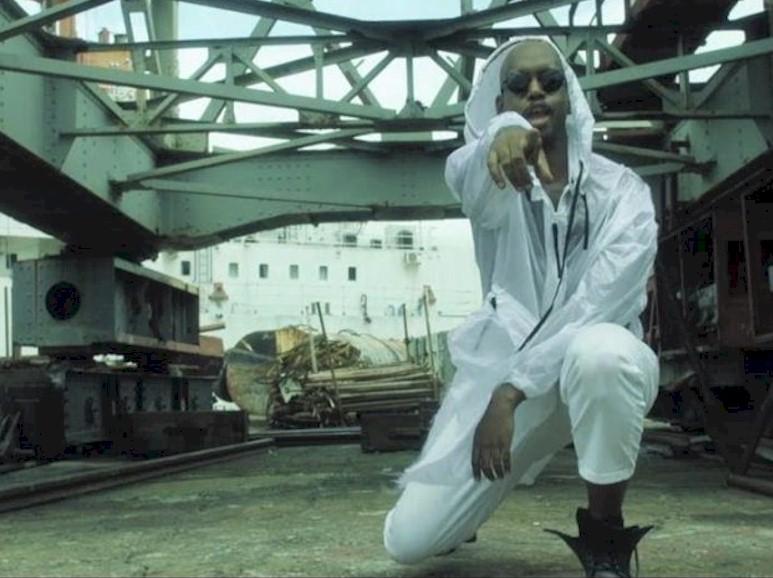 """Confira """"Essa Vida"""", o novo clipe do rapper QXÓ"""