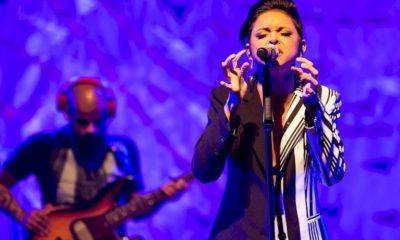 Kell Smith se apresenta em São Paulo com hits da carreira e releitura de clássicos