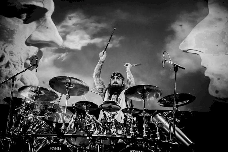 Ex-Dream Theater, Mike Portnoy vem ao Brasil em outubro