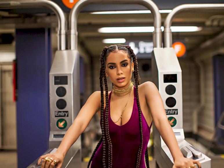 """Anitta: festa """"Combatchy"""" acontecerá em São Paulo no mês de novembro"""