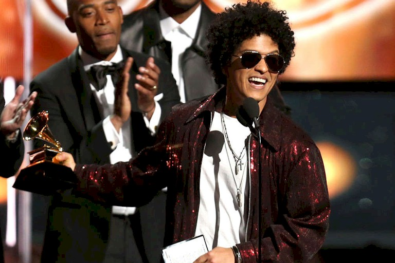 "Bruno Mars supera ""Despacito"" é o grande nome do Grammy 2018"