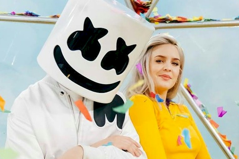 "Anne-Marie lança novo single ""Friends"" com Marshmello"
