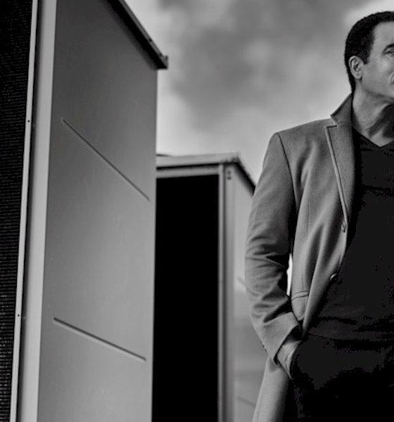 """Jon Secada em entrevista exclusiva: """"É maravilhoso voltar ao Brasil"""""""