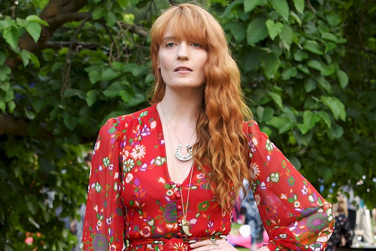 "Florence and The Machine lança novo álbum ""High As Hope"""