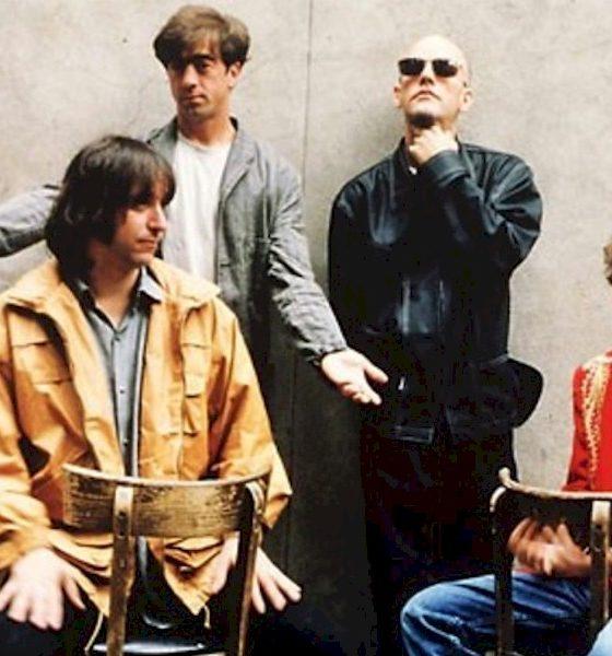 """R.E.M: """"Monster"""" ganha edição deluxe de 25 anos em novembro"""