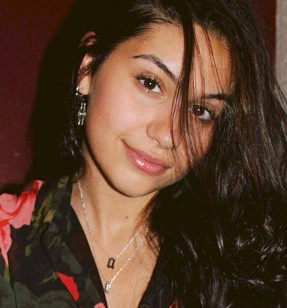 """Alessia Cara disponibiliza novo EP """"This Summer"""" com sete faixas"""