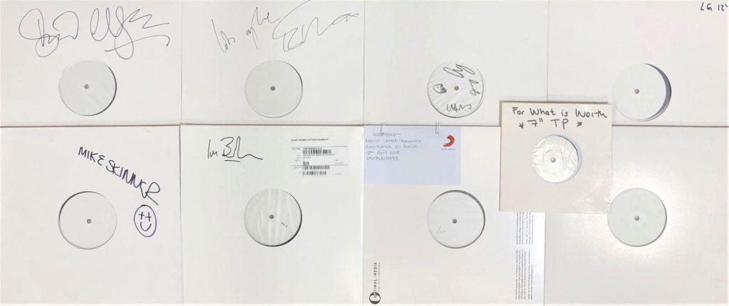 """Albuns de George Michael e Beatles serão leiloados no """"White Album"""" na Inglaterra"""