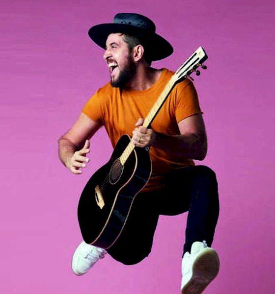 """Suricato estreia o single """"A Canção Que Todo Mundo Anda Fazendo"""""""