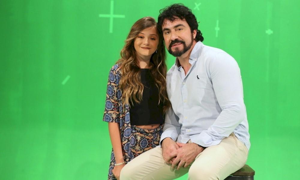 """Anna Mel lança single e clipe de """"Sonho de Menino"""" com Padre Fábio de Melo"""