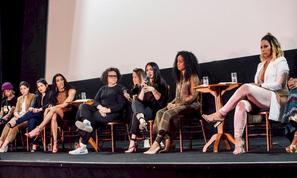 Cleo divulga novo projeto audiovisual em evento no Rio