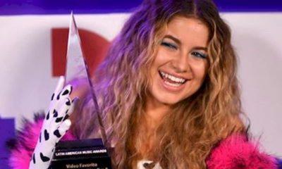 """Sofia Reyes recebe prêmio Latin American Music Awards de """"Clipe do Ano"""" com """"R.I.P"""""""