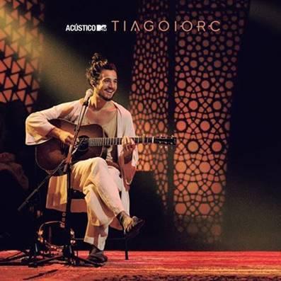 """Tiago Iorc lança o registro de """"Hoje Lembrei do Teu Amor"""" do Acústico MTV"""