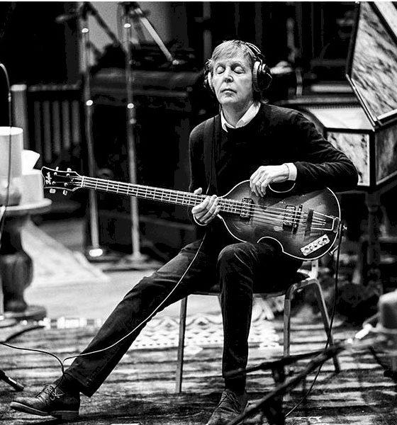 Paul McCartney homenageia o fotógrafo Robert Freeman em texto