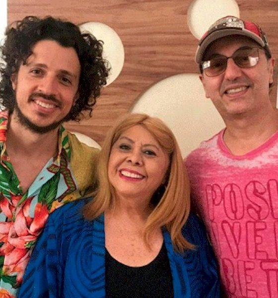 """Primeira edição do """"Quintal do Fi"""" recebe Zeca Baleiro e Anastácia"""