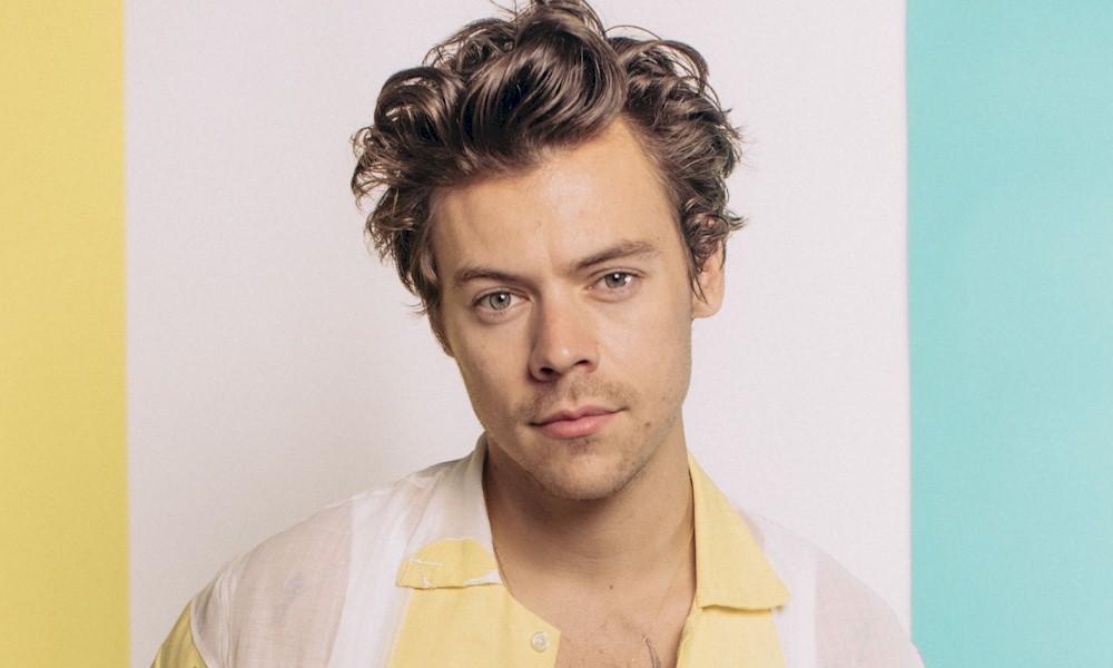 """Harry Styles lança novo single """"Adore You"""""""