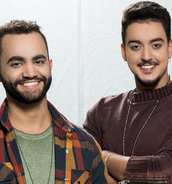 Juan Marcus e Vinicius lançam vídeo com participação de Turma do Pagode