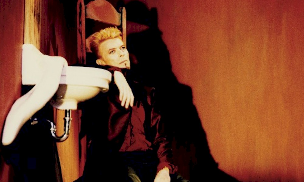 "David Bowie: novo EP ""Is It Any Wonder?"" conta com seis faixas inéditas e raras"