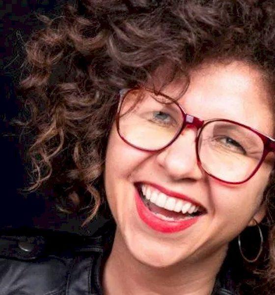 Roberta Campos apresenta sucessos em Santos