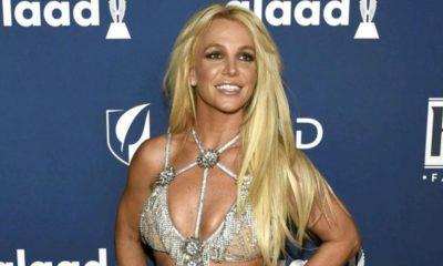 Britney Spears pergunta a fãs se deve remover tatuagem feita para ex-marido