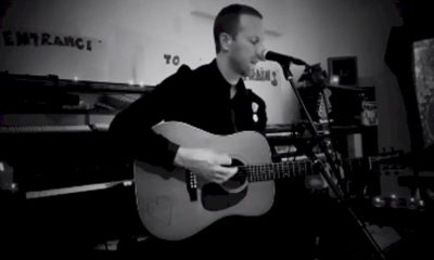 "Coldplay: Chris Martin faz cover de Bob Dylan em ""Shelter From the Storm"""