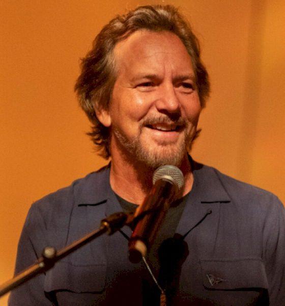 Coronavírus: Eddie Vedder anuncia live em abril