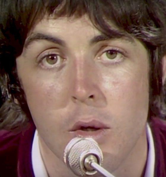 """Manuscritos de Paul McCartney para clássico """"Hey Jude"""" são vendidos por US$ 910 mil"""