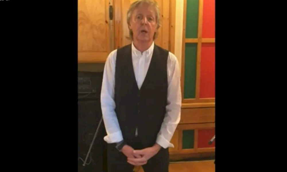 Coronavírus: Paul McCartney recorda mãe durante live e agradece aos profissionais de saúde