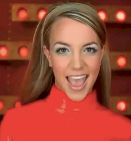 """""""Oops!... I Did It Again"""" de Britney Spears completa 20 anos. Relembre o álbum"""