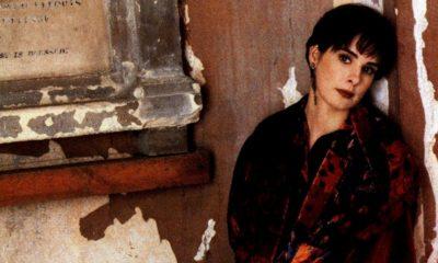 """Enya lança EP """"Portrait"""" e revisita sucessos dos anos 1980 e 1990"""