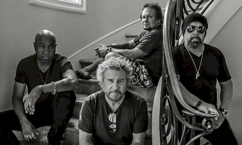 Sammy Hagar, ex-Van Halen, diz não esperar uma solução para o coronavírus para realizar shows
