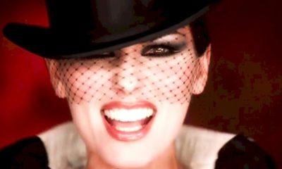 """Shania Twain: clipe do sucesso """"Man! I Feel Like A Woman!"""" supera 200 milhões de views"""