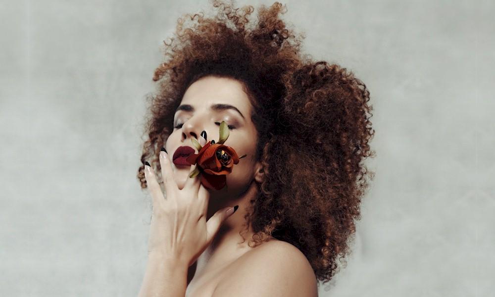 """Vanessa da Mata faz segunda """"Live Solidária"""" neste sábado"""