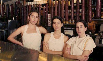 """HAIM lança """"Women In Music Pt. III"""", o novo álbum do trio"""