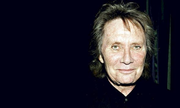 "Morre aos 73 anos, o cantor Benny Mardones, do sucesso ""Into the Night"""