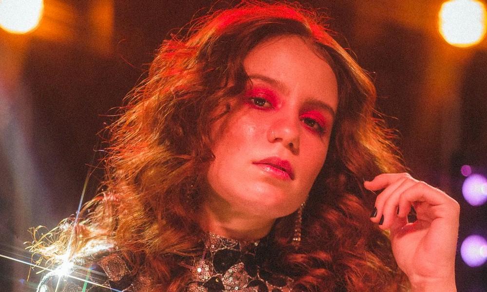 """Com banda formada só por mulheres, Carol Biazin anuncia o novo single """"Metade"""""""