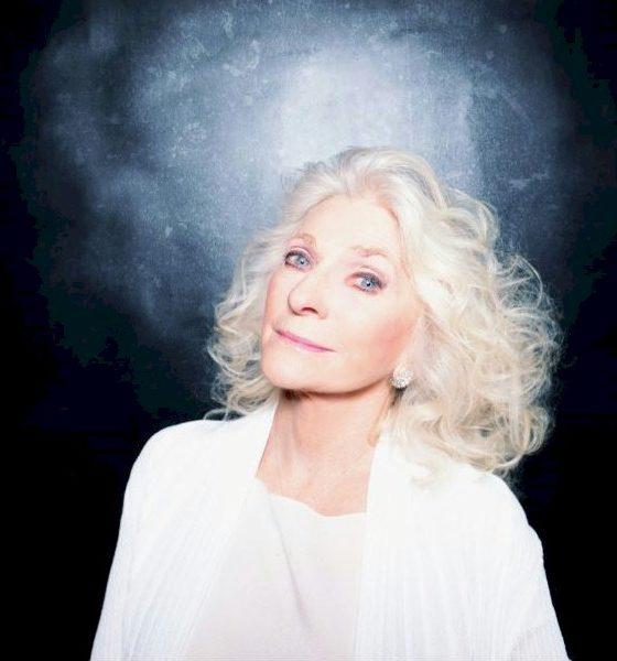"""Judy Collins lança nova versão para """"Amazing Grace"""" com coral virtual"""