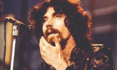 Warner disponibiliza compilado de 30 músicas de Raul Seixas nas plataformas digitais
