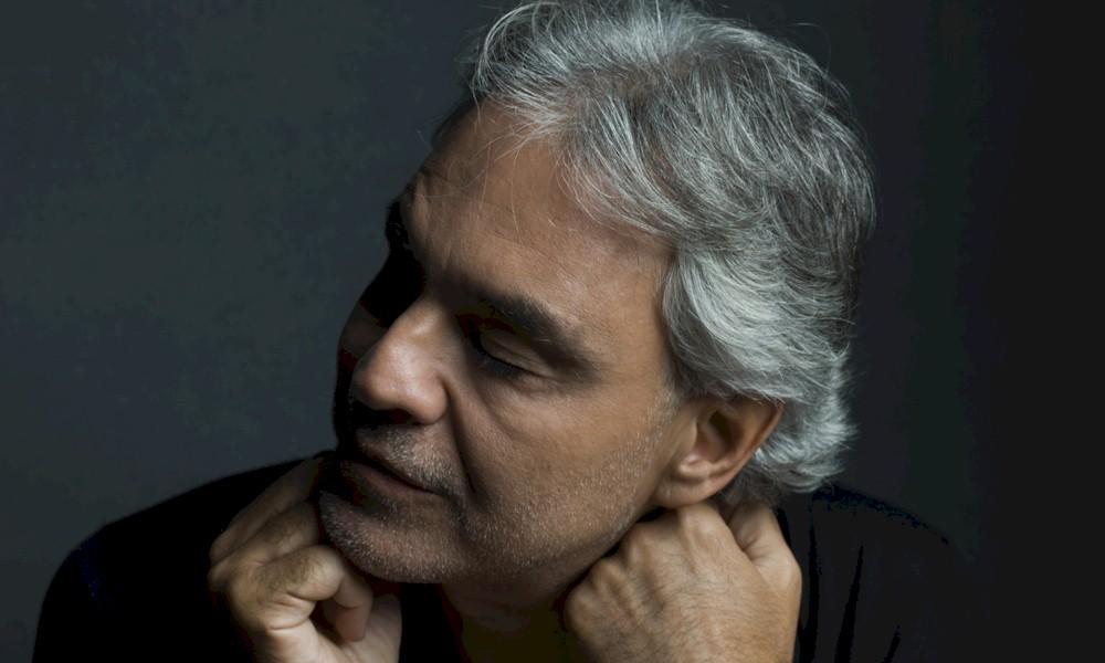 Coronavírus: tenor Andrea Bocelli pede desculpas por declarações sobre a doença