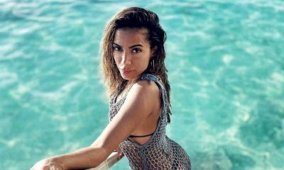 Anitta se diverte em passeio de barco com novo affair