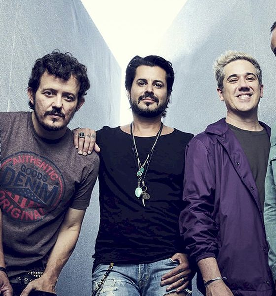 """Jota Quest: sucesso """"Dentro de Um Abraço"""" ganha remix de Pic Shmitz e Breno Rocha"""
