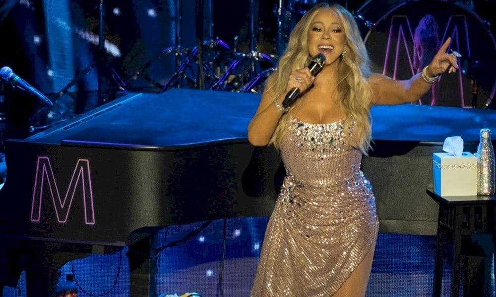 Durante a quarentena, Mariah Carey trabalha em novas músicas e escreve livro